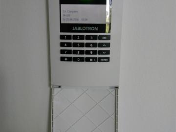 Vila Nový Smíchov, Praha - elektronické zabezpečení Jablotron JA-100