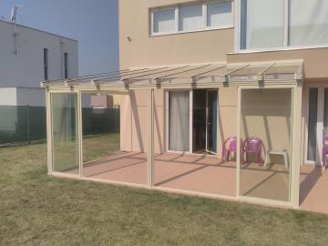 Zasklená terasa s posuvným zasklením - Zastřešená pergola
