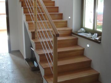 Modřínové schody