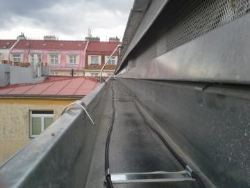 topné kabely do okapu, ul. Bořivojova Praha
