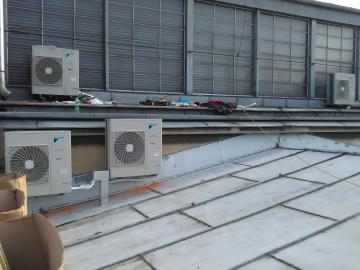 Venkovní jednotky pro chlazení interiérů Domu Umění Ostrava