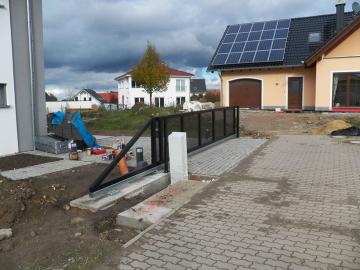 Pojezdová brána samonosná - RD