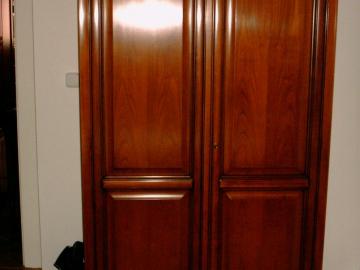 Šatní skříň - třešeň