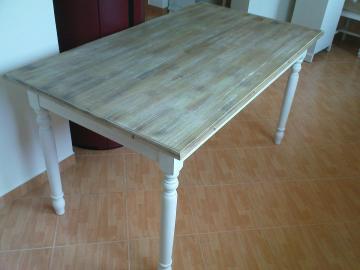 Rustikální stůl s patinou - smrk