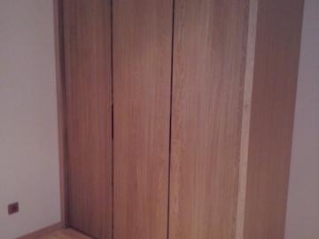 Šatní skříň - masiv dub