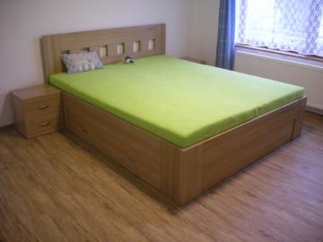 postel s úložným prostorem, masiv buk