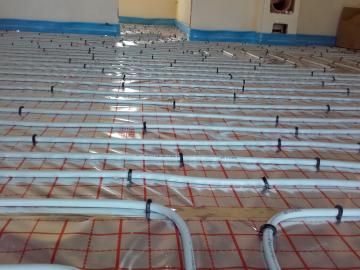 Realizace podlahového topení v novostavbě RD s TČ  SAMSUNG 6kW